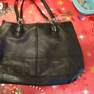 Coach purse black leather 4 compartments